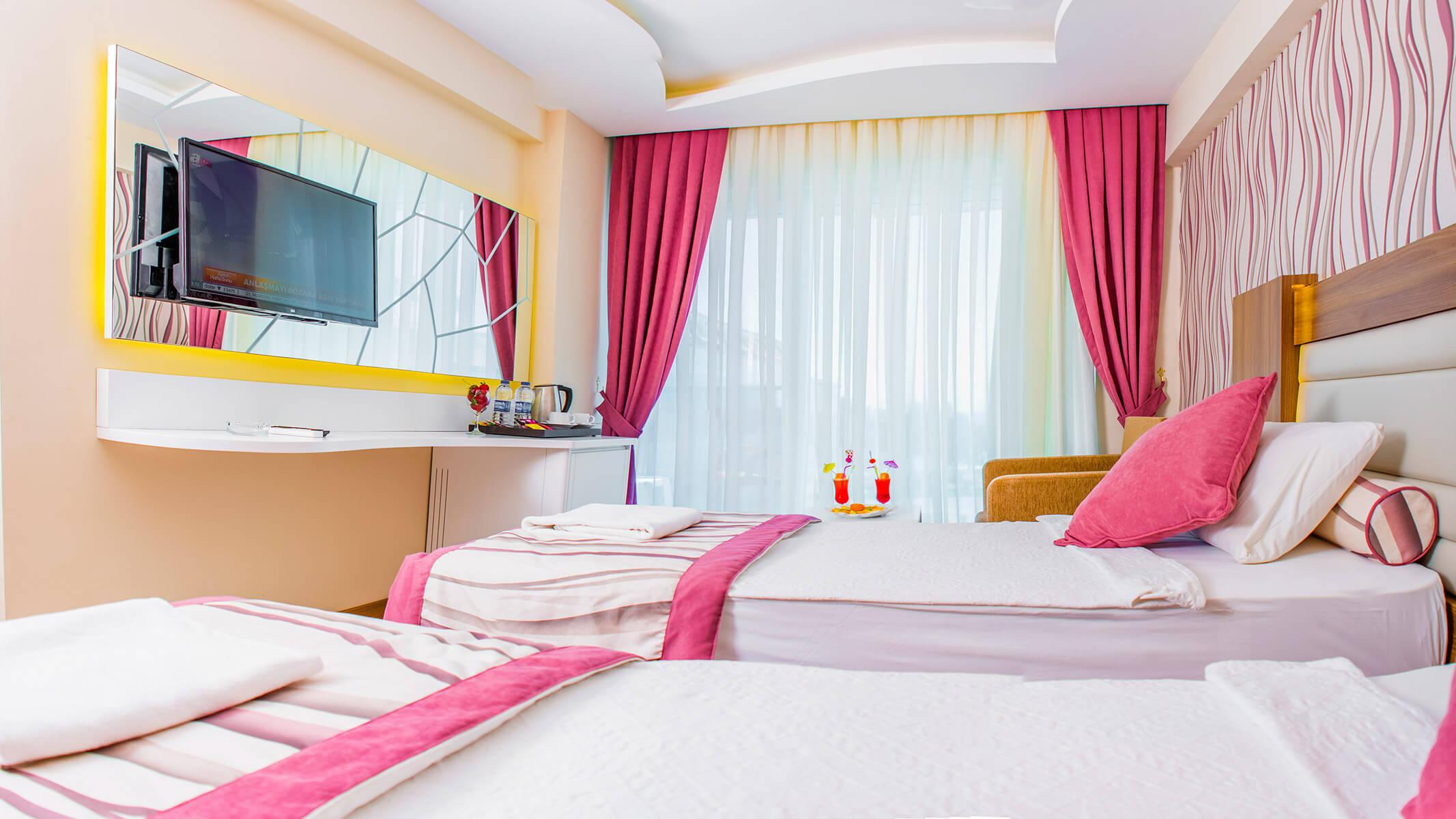 Aile Odası || Tuğra Suit Otel Alanya
